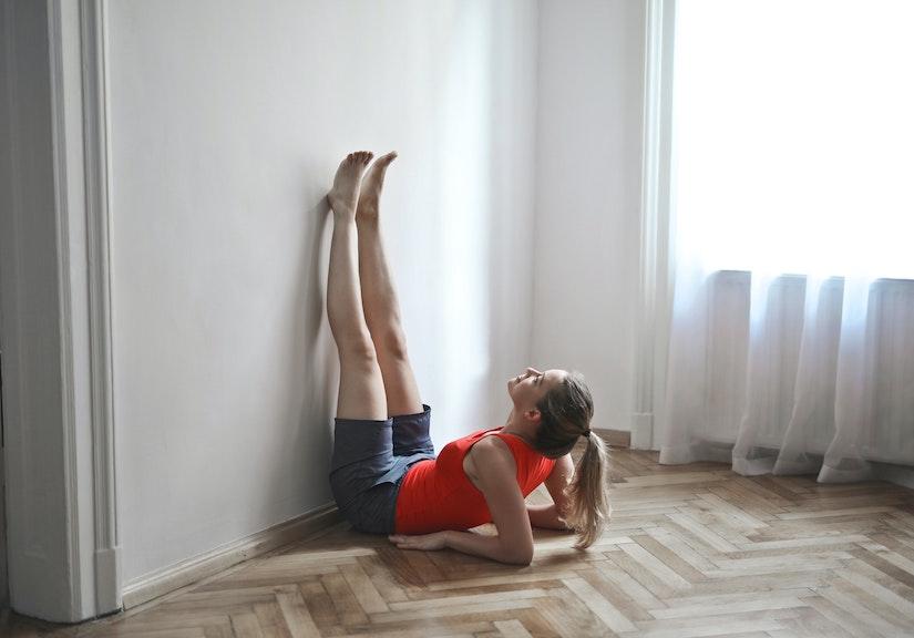 Ejercicios fáciles para las piernas que puedes hacer en casa